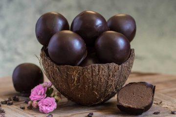 Kuglice s čokoladom, slanutkom i lješnjacima