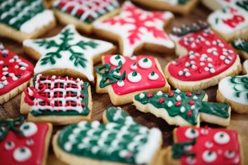 Od prhkih snježnih kugla do preslatkih snjegovića – ideje za dekoriranje božićnih slastica