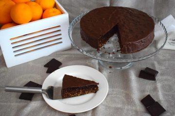 Sočna čokoladna torta s narančom