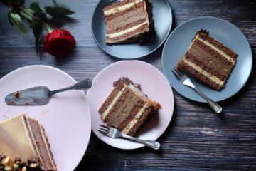 Jednostavna torta od vanilije i čokolade