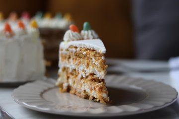 Torta od sira, mrkve i lješnjaka