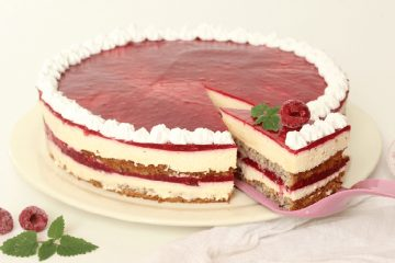 Torta s malinama i mascarpone sirom