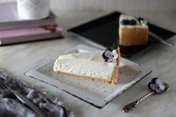 Cheesecake s borovnicama, limetom i bijelom čokoladom