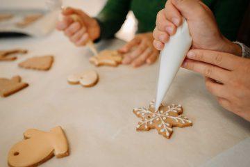 Neka i vaši božićni keksići zablistaju uz ove savjete za dekoriranje