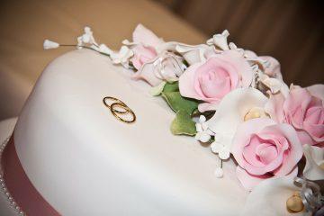 Od svadbenih do božićnih torti – šećerna masa omogućuje stvaranje dekoracije po vaši željama