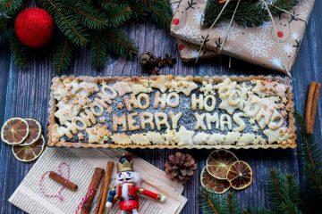 Božićna čestitka i na predivnoj piti od višanja i maka