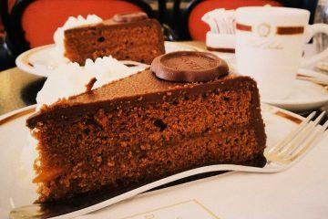 Popularna Sacher torta iz istoimenog hotela od sada se može kupiti iz automobila