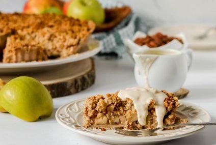 Ništa bez jabuka: donosimo recept za crumble pitu od jabuka s umakom od vanilije